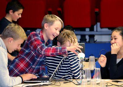 Activité Poppy Education réalisée avec des élèves du programme ERASMUS