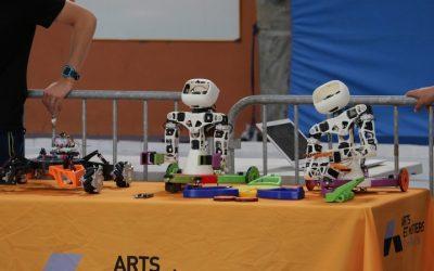 Des roues pour Poppy Torso : 2ème édition du projet étudiant de l'ENSAM
